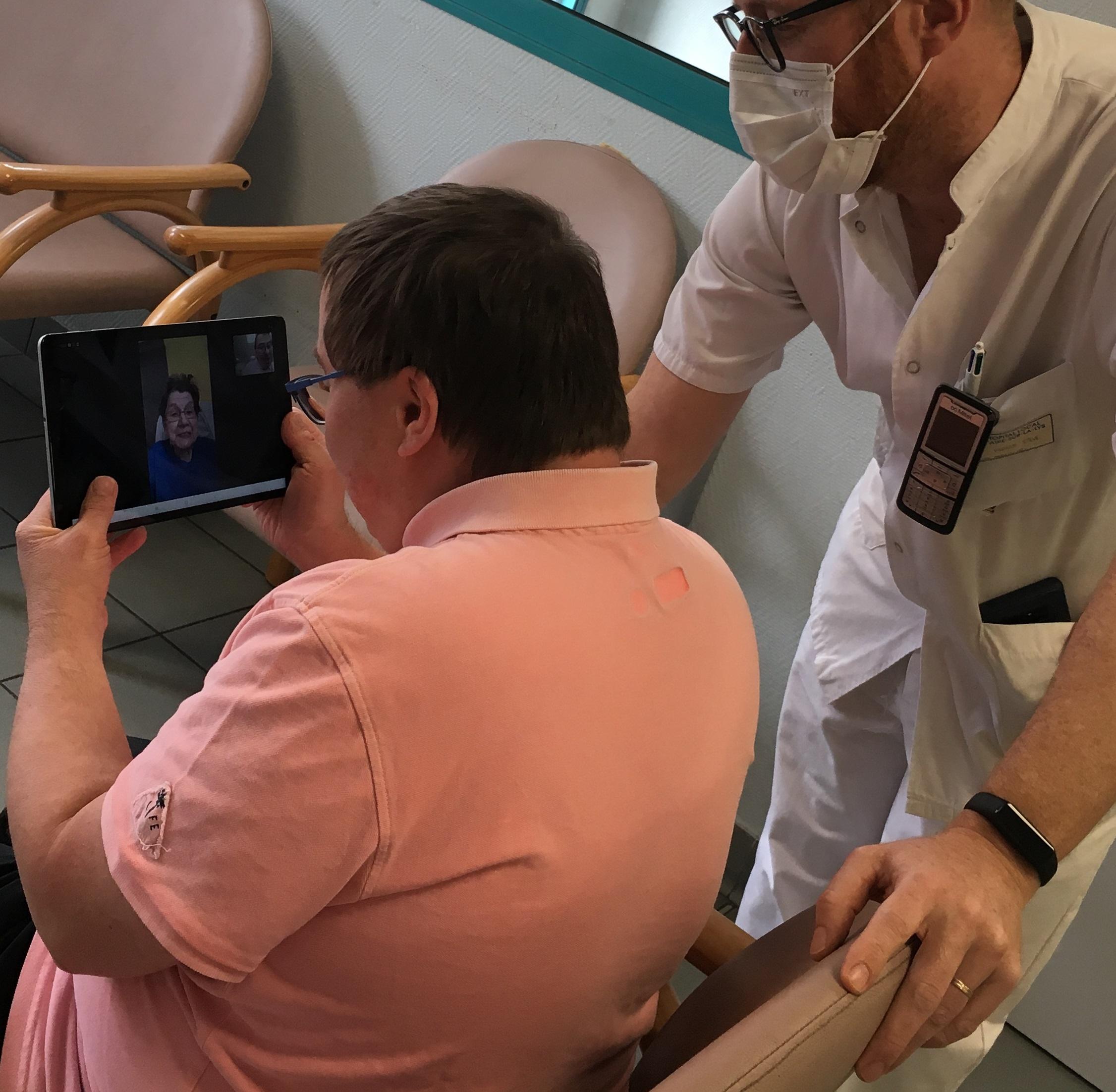Covid-19 : le Centre Hospitalier maintient le lien avec les familles