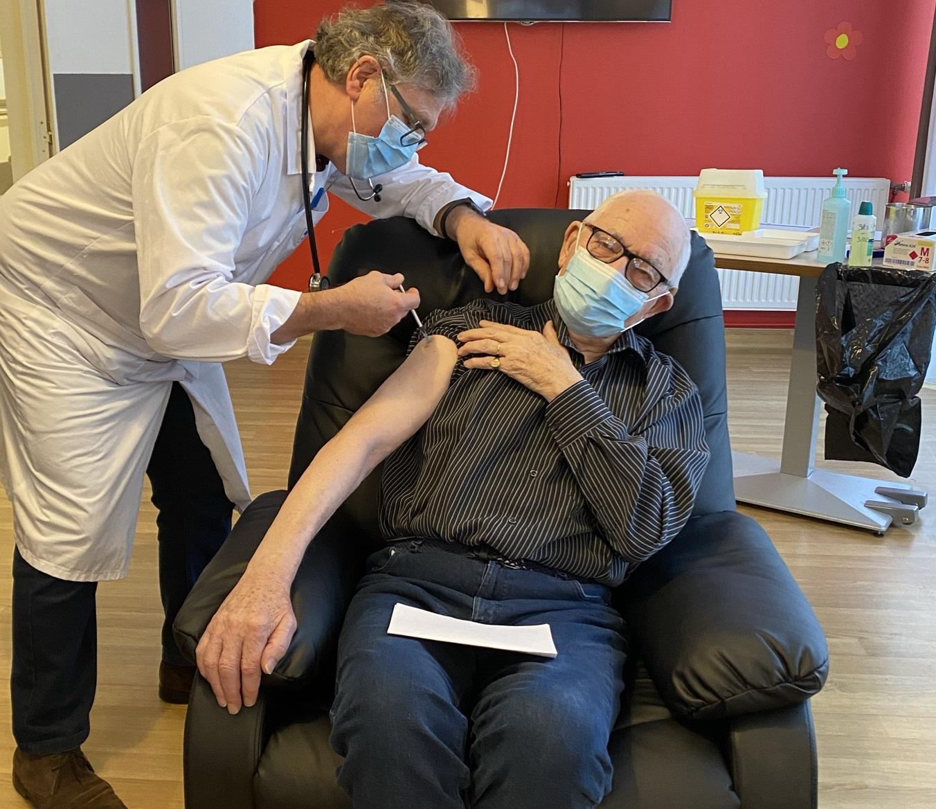 1ère Vaccination contre la COVID 19 sur l'Audomarois : Résidence LES BATELIERS, EHPAD du Centre Hospitalier